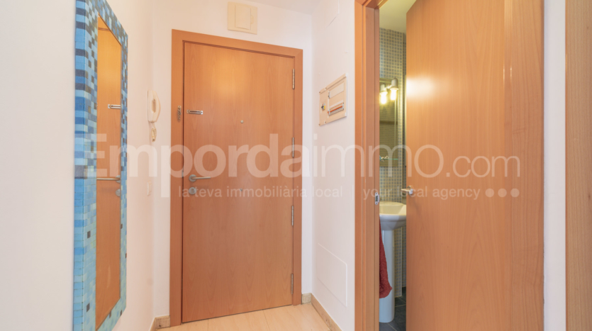 Ground floor flat Llanca